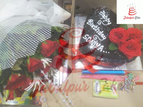 10 roses bunch and chocolate cake